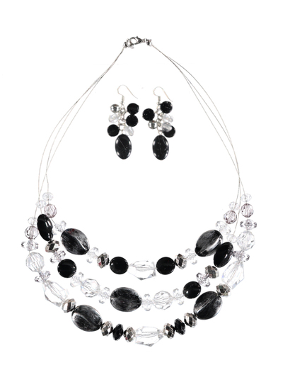 Women  Monocrome Necklace And Earring Set