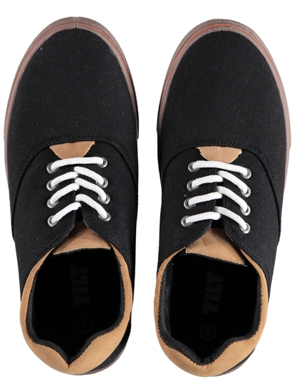 Boys Classic Canvas Shoe